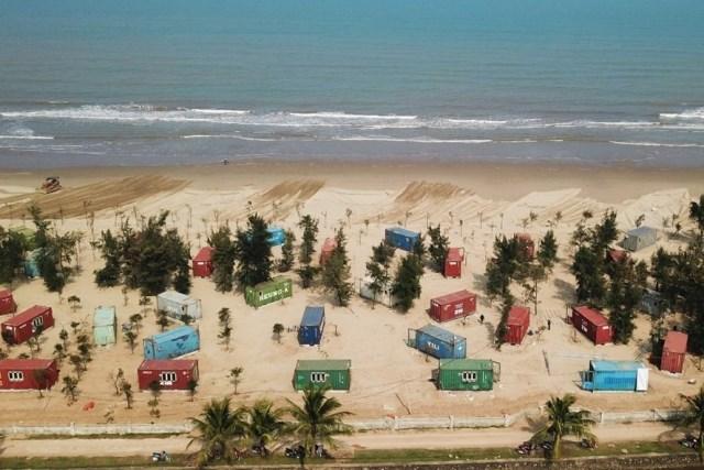 Rầm rộ dựng hàng trăm container làm nhà trong rừng phòng hộ ở Hà Tĩnh
